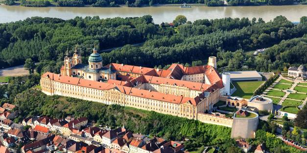 xmedres_00000030710-monastery-of-melk-danube-lower-_b68b0d954b.jpg.pagespeed.ic.nfd7uLuzNL